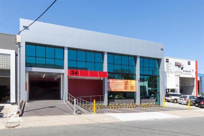 34 Douglas Street MILTON QLD 4064