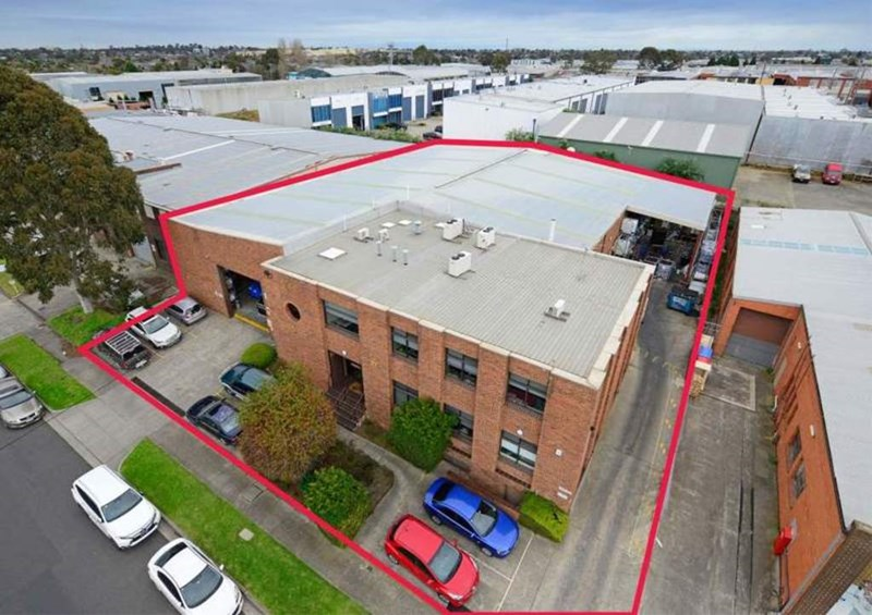 27 Viking Court MOORABBIN VIC 3189
