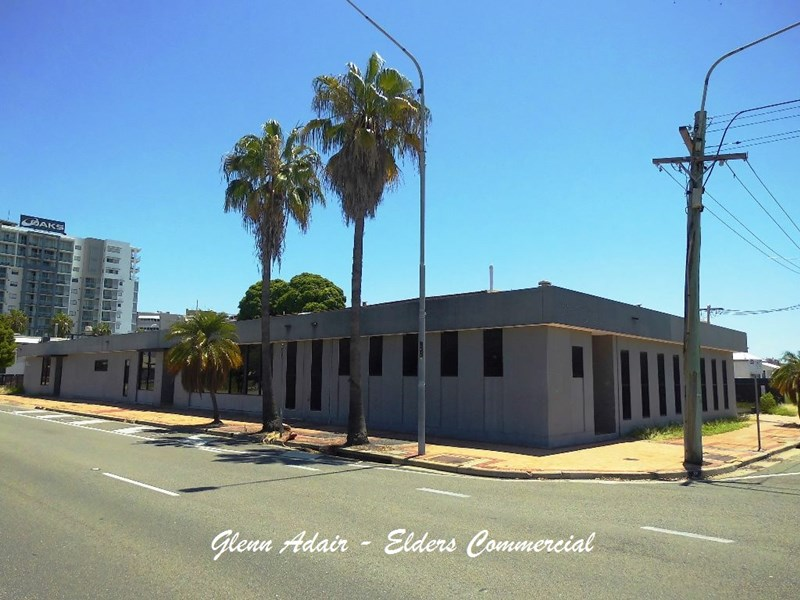 2 McIlwraith Street SOUTH TOWNSVILLE QLD 4810