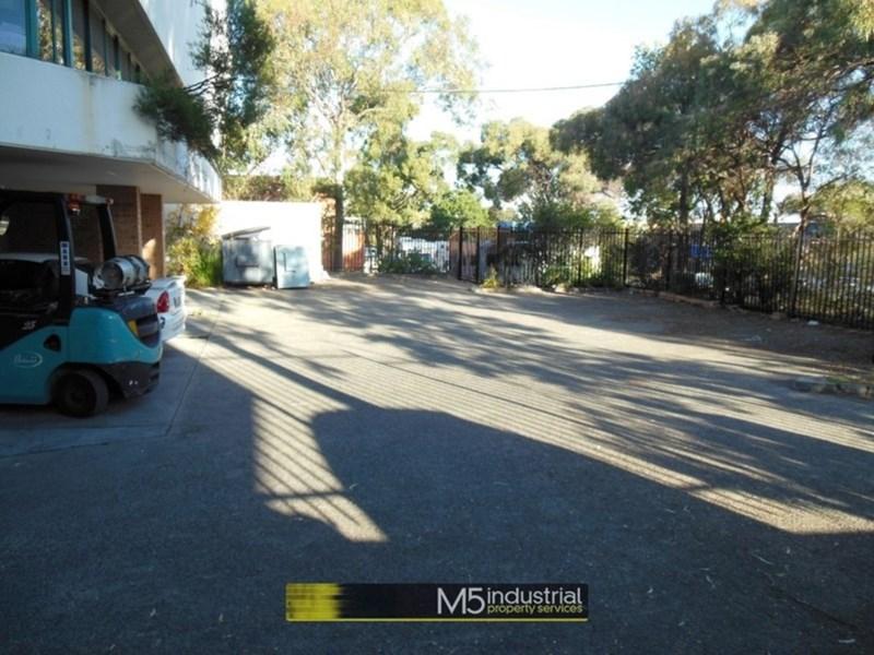 44 Garema Circuit KINGSGROVE NSW 2208