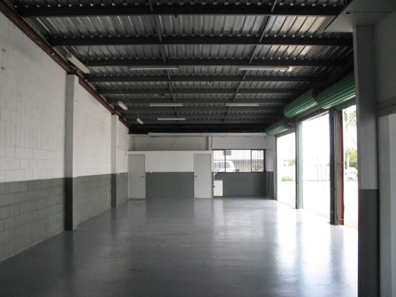 12 Dixon Street STRATHPINE QLD 4500