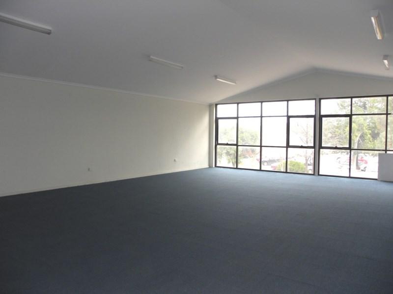 251 Boorowa Street YOUNG NSW 2594