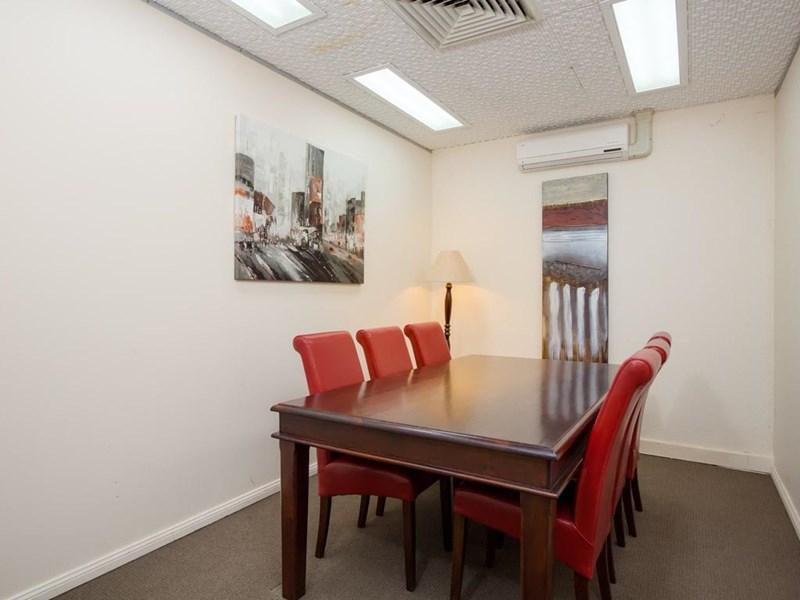 33 Fitzmaurice Street WAGGA WAGGA NSW 2650