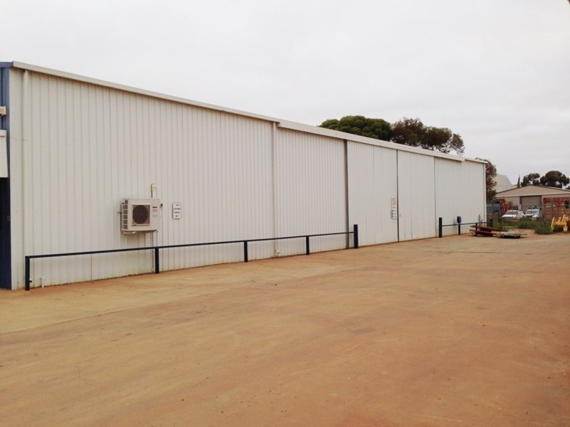 13 Darcy Lane WEST KALGOORLIE WA 6430