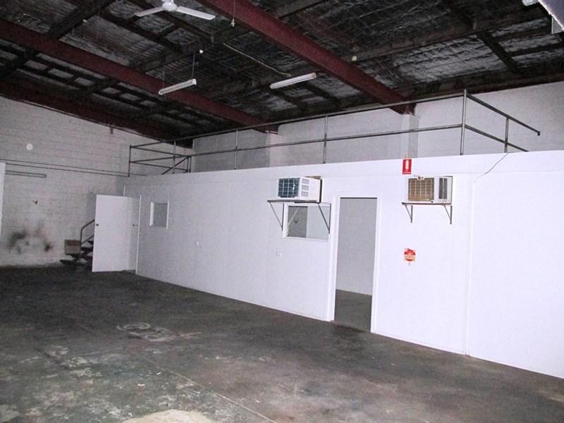 Unit 2 / 247 INGHAM ROAD GARBUTT QLD 4814