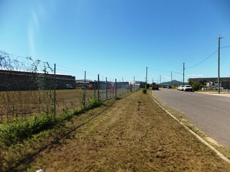5 Elquestro Way BOHLE QLD 4818