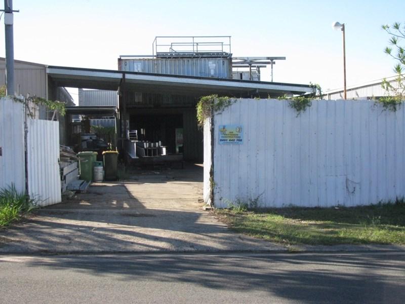 28 Cameron Street CLONTARF QLD 4019