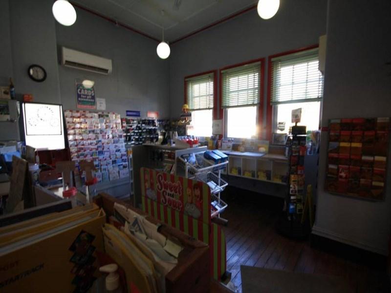 80 Bettington Street MERRIWA NSW 2329