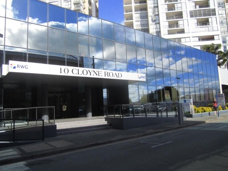 10 Cloyne Road SOUTHPORT QLD 4215