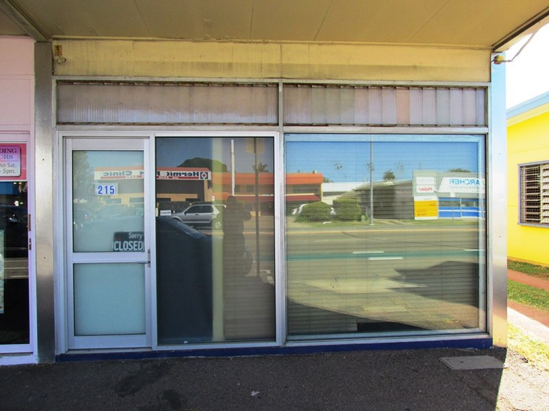Shop A - 215 Charters Towers Road HYDE PARK QLD 4812
