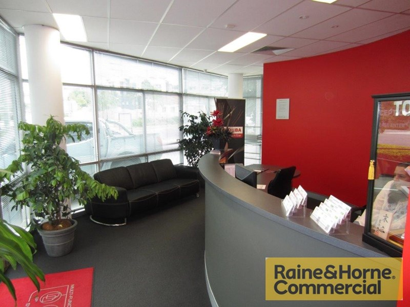 3B/50 Logan Road WOOLLOONGABBA QLD 4102