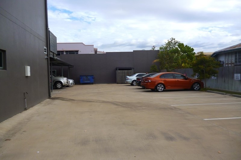 113 Charters Towers Road HYDE PARK QLD 4812