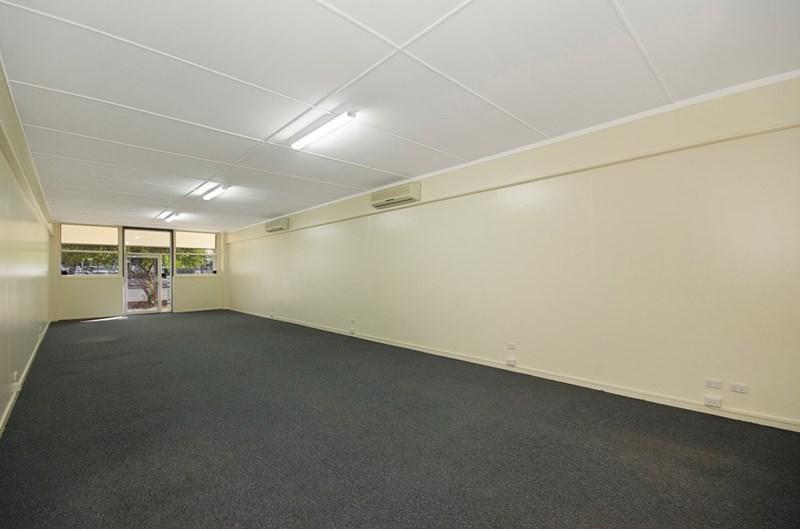 Unit 4/36-40 Ingham Road WEST END QLD 4810