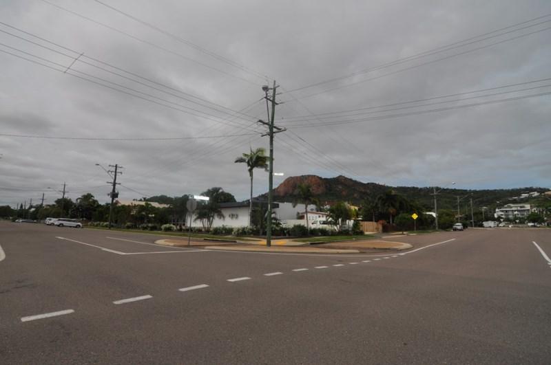 98 Eyre Street NORTH WARD QLD 4810