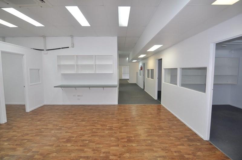 1/60 Ingham Road WEST END QLD 4810