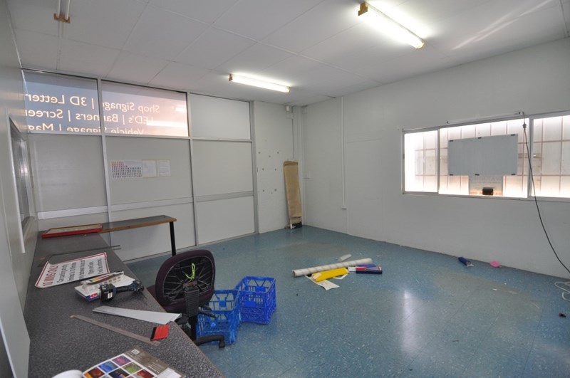 1/60 Keane Street CURRAJONG QLD 4812