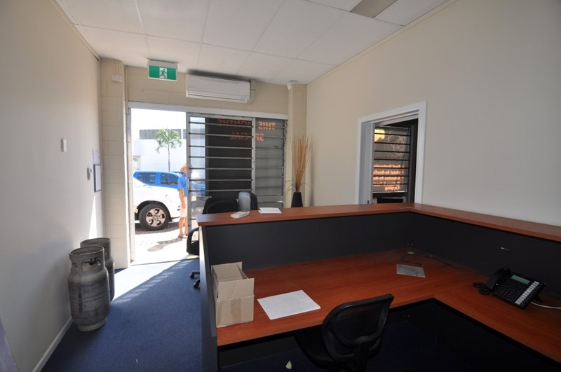 1/62 Keane Street CURRAJONG QLD 4812