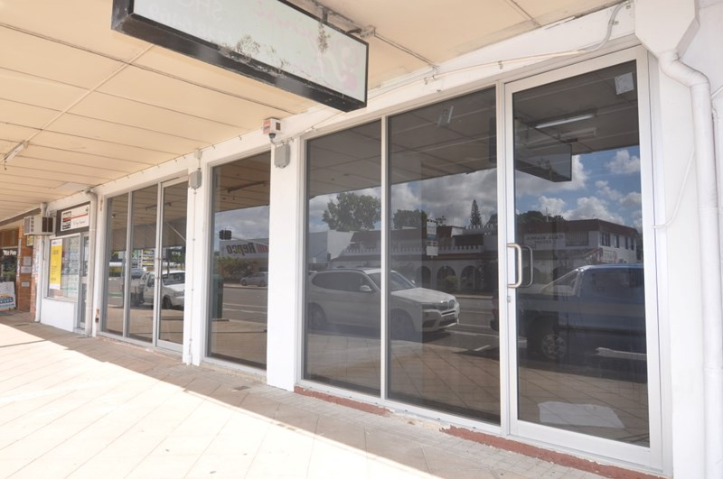 Shop D, 159 Charters Towers Road HYDE PARK QLD 4812
