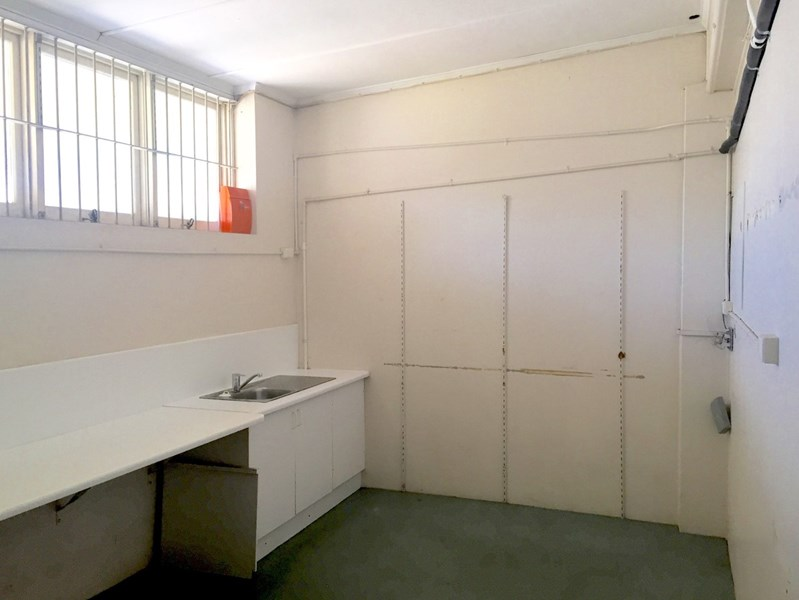 2/14 Plume Street SOUTH TOWNSVILLE QLD 4810