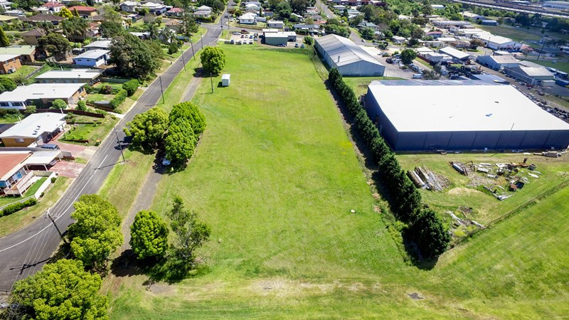 6 Gordon Avenue ROCKVILLE QLD 4350