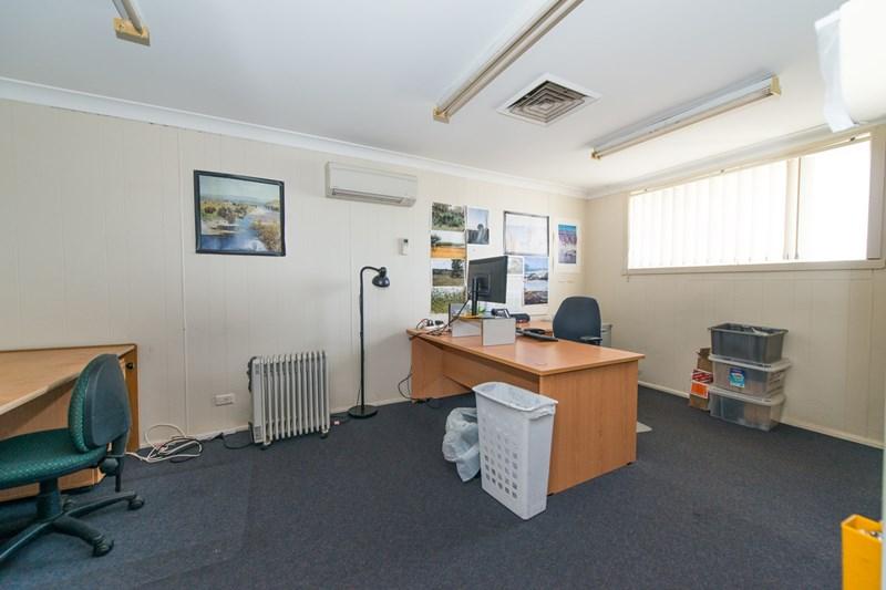 14-18 Avro Street TAMWORTH NSW 2340