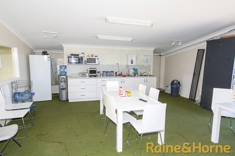 17 Douglas Mawson Rd DUBBO NSW 2830