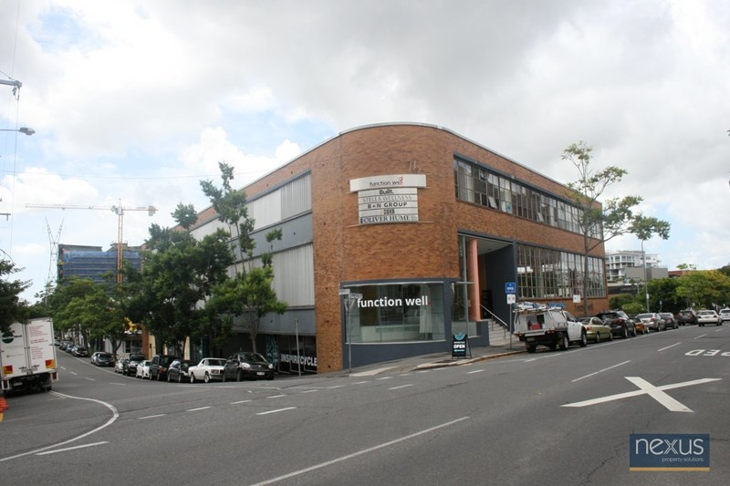 Suite 4/76 Commercial Road NEWSTEAD QLD 4006