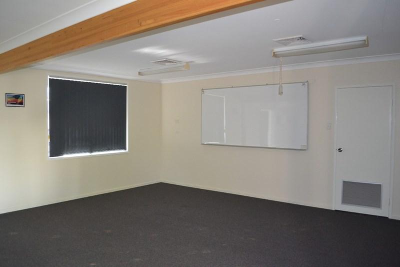 Tenancy 2/529 Alderley Street HARRISTOWN QLD 4350