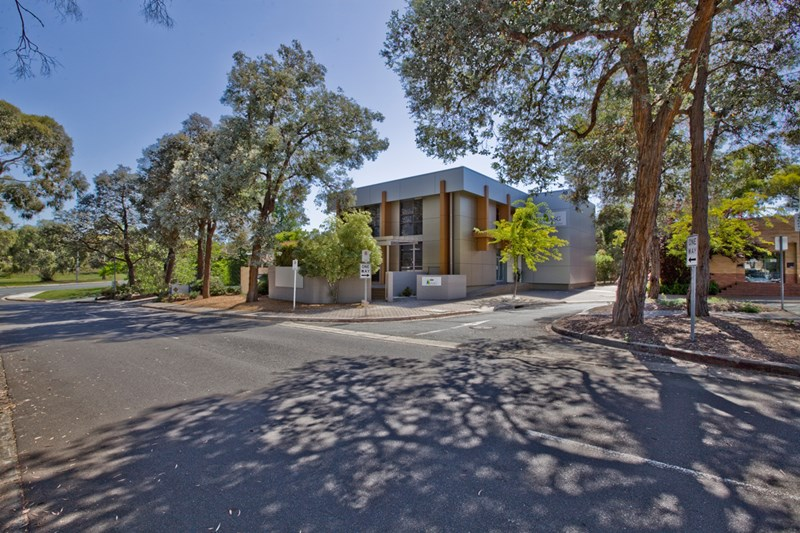 40 Thesiger Court DEAKIN ACT 2600