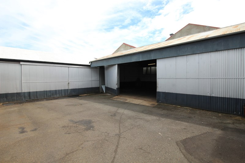 Shed B/13-15 Anthony Street TOOWOOMBA QLD 4350