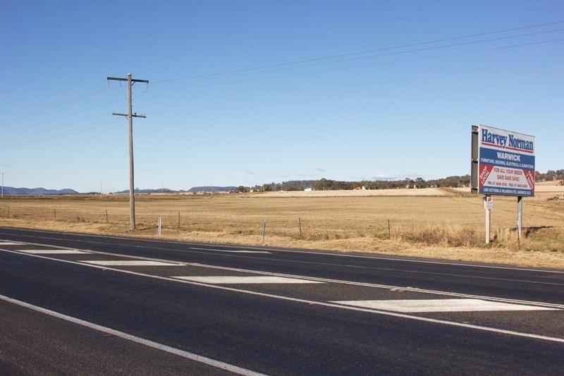 Cnr Cunningham Highway & East Street WARWICK QLD 4370