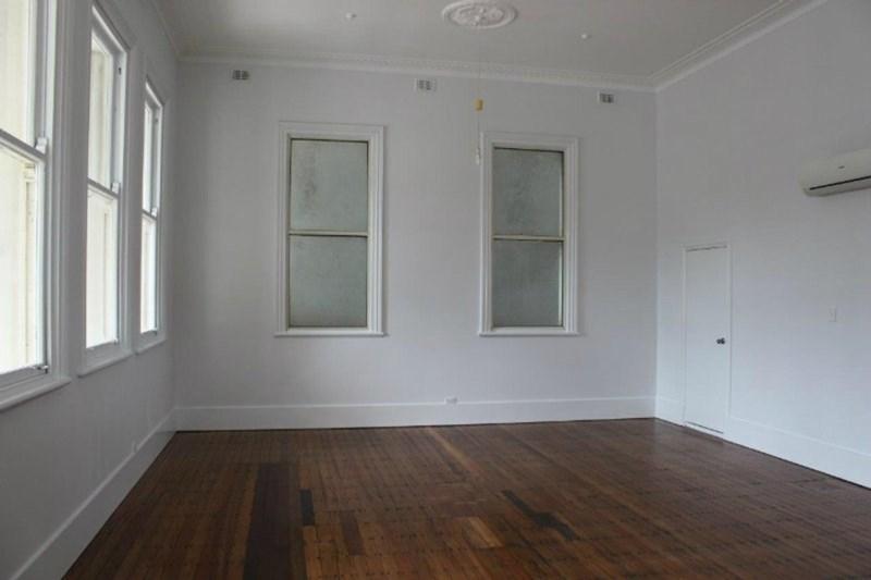 104 Flinders Street TOWNSVILLE CITY QLD 4810