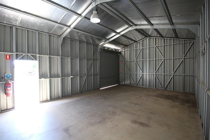 14 Makepeace Street ROCKVILLE QLD 4350