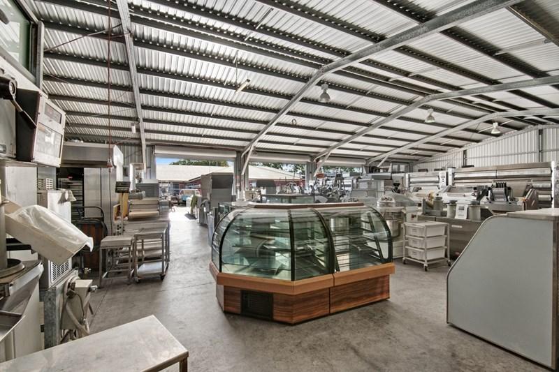 66-68 Beach Street KIPPA-RING QLD 4021