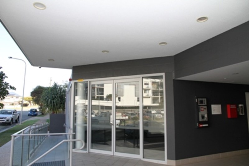 Shop 2/2-6 Bunton Street SCARBOROUGH QLD 4020