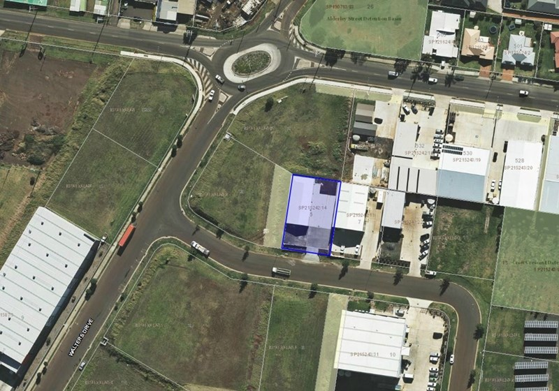 5 Croft Crescent HARRISTOWN QLD 4350