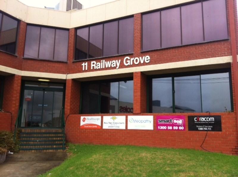 11 Railway Grove MORNINGTON VIC 3931