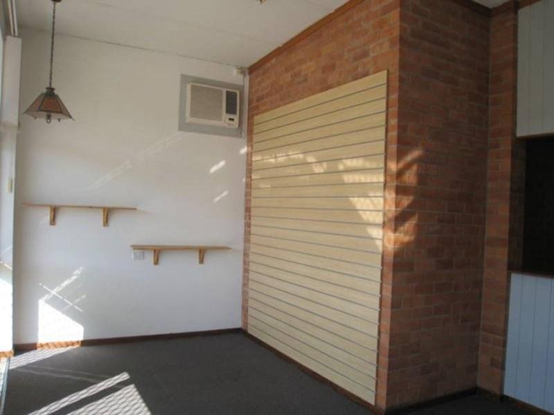 2 Beverly Lane MOUNT ISA QLD 4825