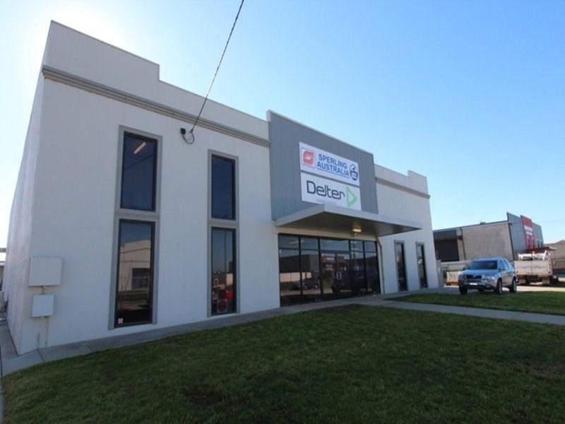 8 Riedell Street WAGGA WAGGA NSW 2650