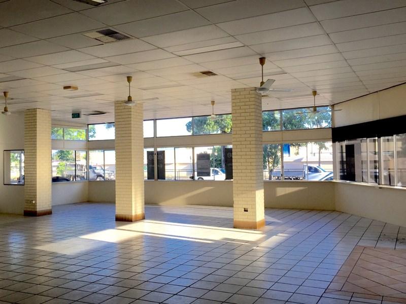 GF/109 Ingham Road WEST END QLD 4810