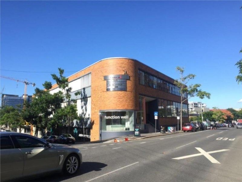 121/76 Commercial Road NEWSTEAD QLD 4006