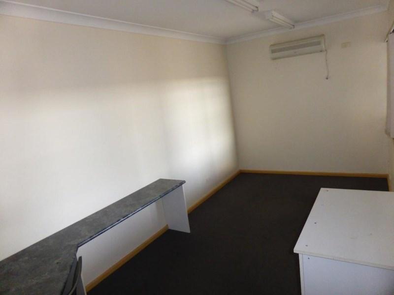 1B/37-39 Douglas Mawson Road DUBBO NSW 2830