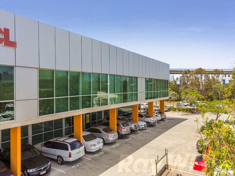 2/53 Metroplex Avenue MURARRIE QLD 4172
