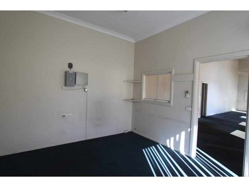 6 Littlebourne Street KELSO NSW 2795
