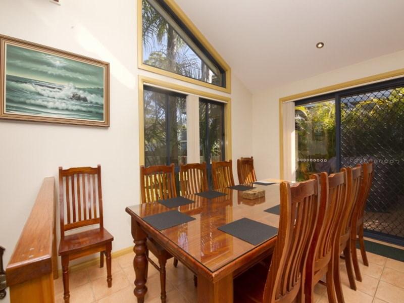 5 Harcourt Crescent SMITHS LAKE NSW 2428