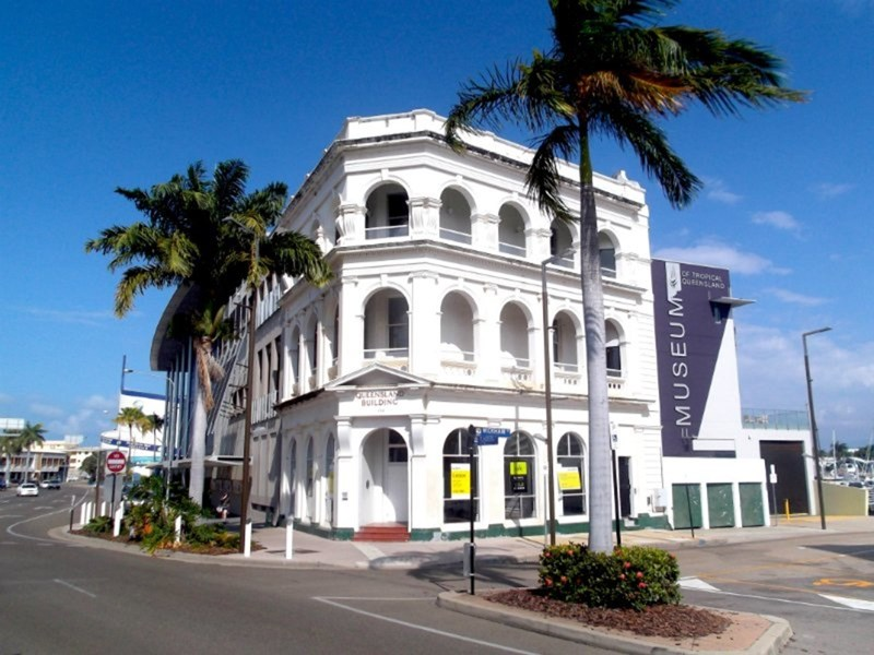 104 Flinders Street TOWNSVILLE CITY QLD 4810