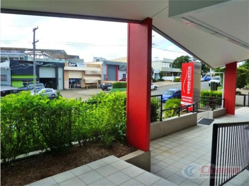 15 Mayneview Street MILTON QLD 4064