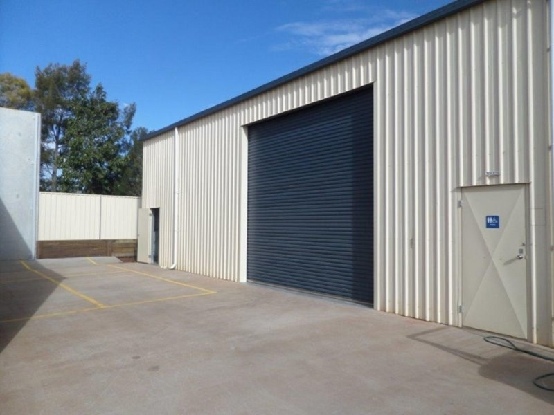 2/1 Tradewinds Court GLENVALE QLD 4350