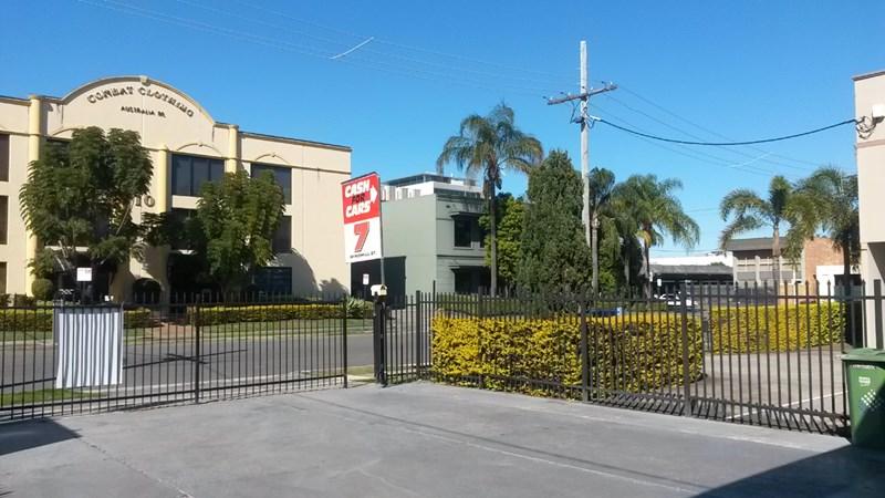 7 Windmill street SOUTHPORT QLD 4215
