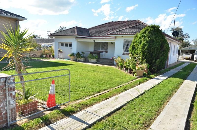 32 Lee Street WELLINGTON NSW 2820